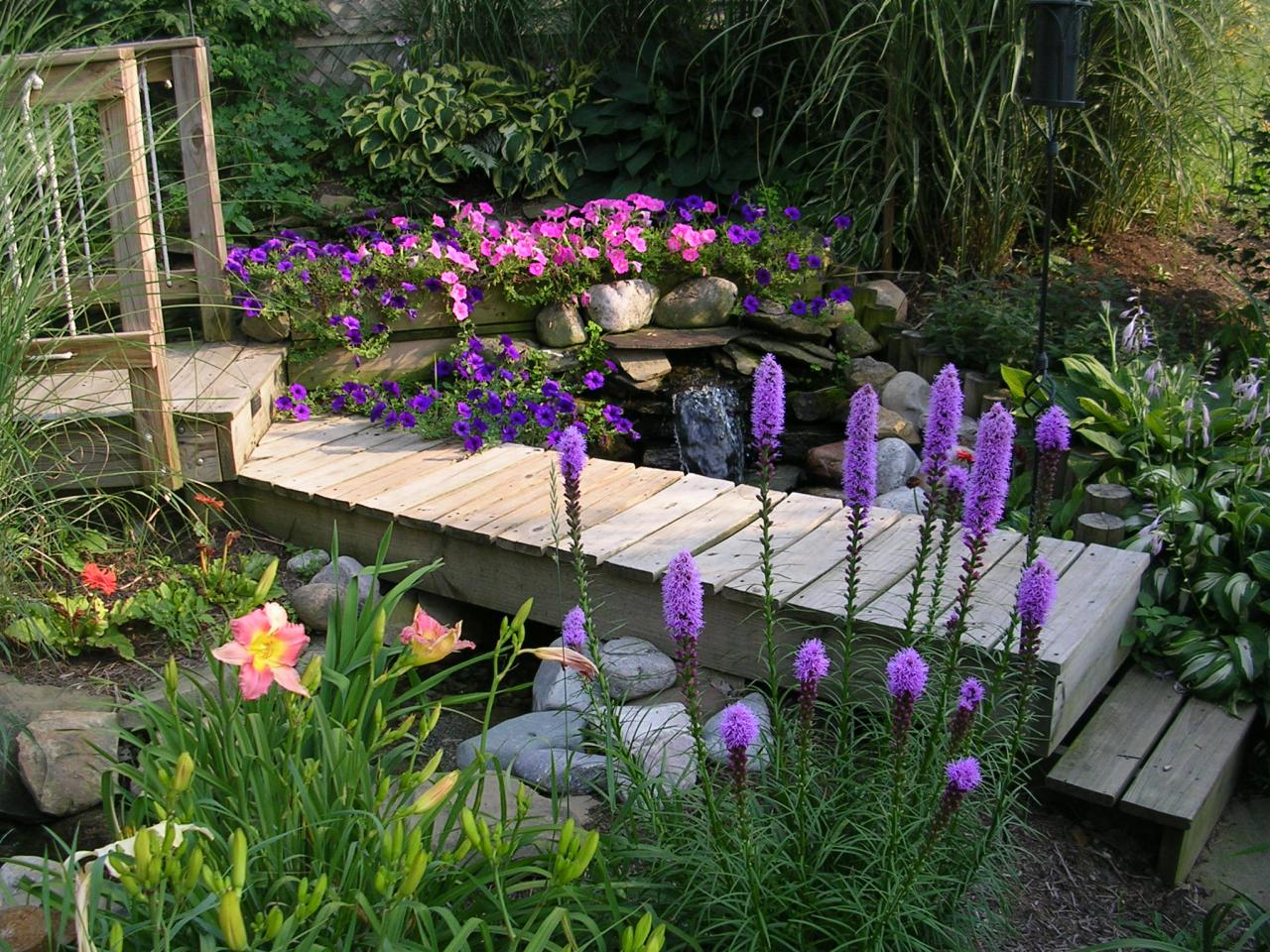 Красота в саду и огороде своими руками